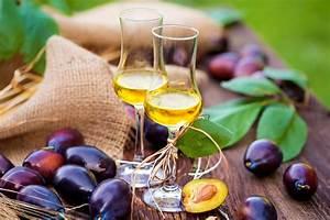Вино из слив и шоколада
