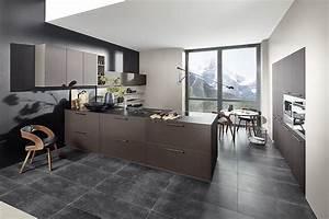 Nolte Küchen Fronten : inselk che mit braunen fronten in leder optik ~ Orissabook.com Haus und Dekorationen