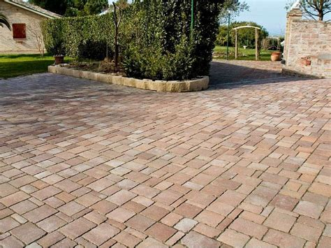 pavimentazione cortile esterno pavimentazioni esterne aspetti da valutare dimensione