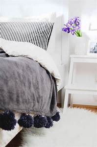 Decke Selber Nähen : diy decke mit pompons selber machen provinzkindchen ~ Lizthompson.info Haus und Dekorationen