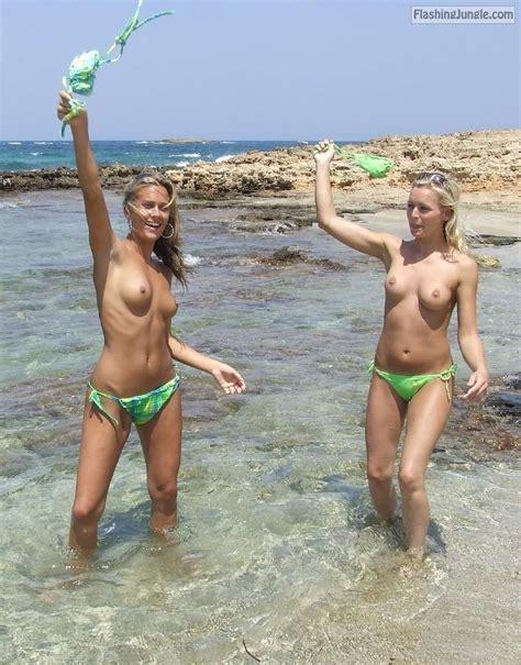 flashing jungle nude beach pics exhibitionists photos