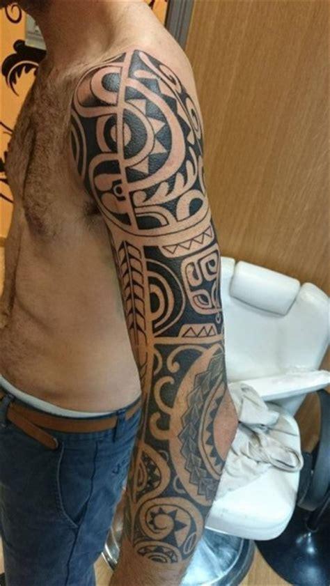 manga de tatuaje tribal en blanco  negro tatuajes de tribales
