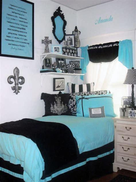 custom designer bedding  decor  ur door