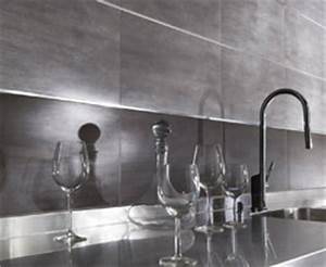 Crdence murale cuisine ahurissant credence inox castorama for Carrelage adhesif salle de bain avec barre led deco