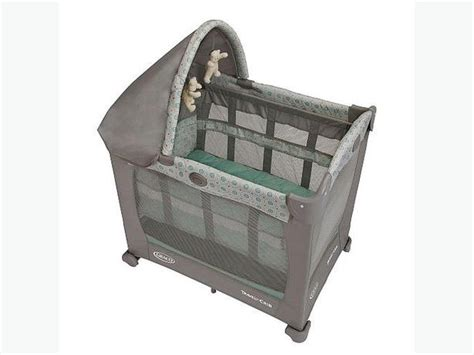 graco mini crib graco travel lite mini crib bassinet jolly jumper and