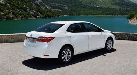 Toyota Corolla White Hd