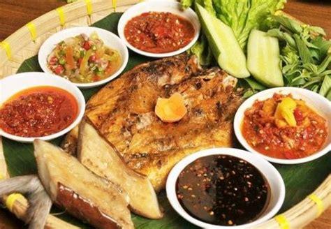 Karena hal tersebut maka banyak orang yang menyukai kuliner asli nusantara. Poster Makanana Daerah Indonesia : Hal ini untuk ...