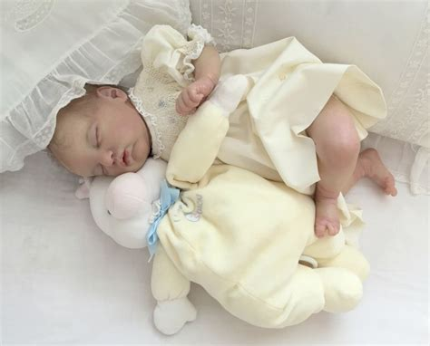 The pictures you see are how your baby could evangeline by laura lee eagles evangeline will be about 19 inches when complete with full arms and legs. Pin by Nancy Dollar on Evangeline | Reborn baby dolls ...