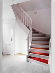 Hundebett Mit Treppe : wei e treppe mit rotem linoleum daniel beutler treppenbau ~ Michelbontemps.com Haus und Dekorationen
