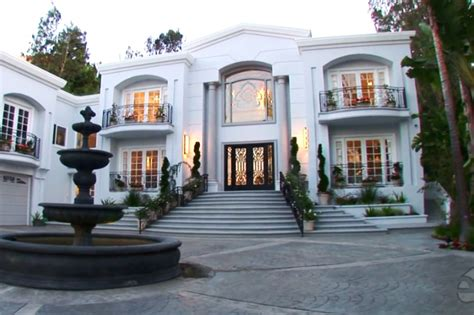 mayweather house tour watch tour of jennifer lopez s mansion pacquiao wants to