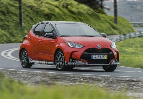 New yaris offers a choice of three petrol powertrains: AutoRAI TV - Hoe zuinig is de nieuwe Toyota Yaris Hybrid ...