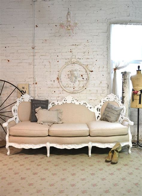 shabby chic settee best 25 sofa ideas on vintage sofa