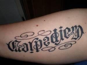 Sprüche Für Tattoos : suchergebnisse f r 39 carpe diem 39 tattoos tattoo lass deine tattoos bewerten ~ Frokenaadalensverden.com Haus und Dekorationen