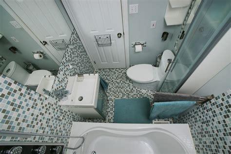 Kleines Badezimmer Groß Wirken Lassen by Kleines Bad Gro 223 Wirken Lassen Hier Die Besten Tricks