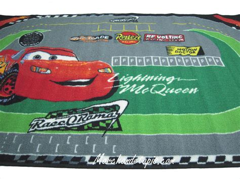 tapis pour cing car tapis enfant disney cars racing 100x170cm tapis enfant disney marchand de tapis