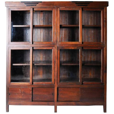Bookcase Styles by Colonial Style Bookcase For Sale At 1stdibs