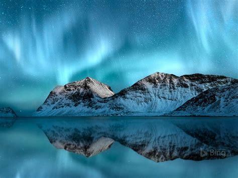 norway aurora borealis lofoten  bing wallpaper preview