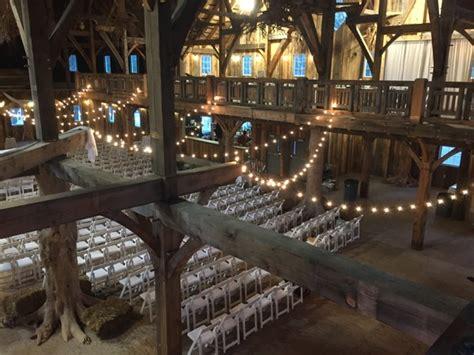 swan barn door wisconsin dells wi wedding venue