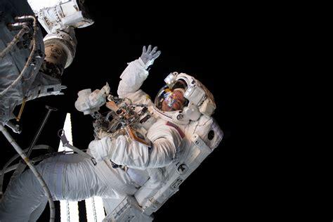 astronaut andrew morgan performs   spacewalk nasa