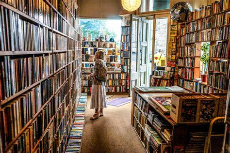 edinburghs  beautiful bookshops
