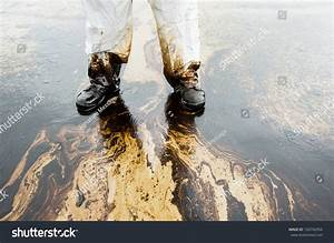 Crude Oil On Oil Spill Accident Stock Photo 150742094 ...