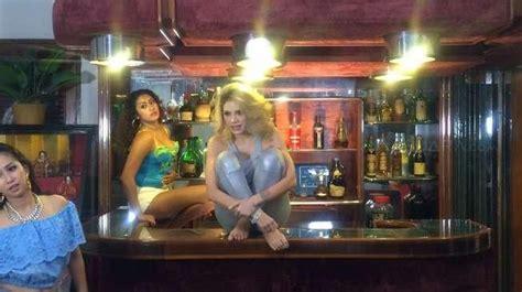 Beredar Video Nikita Mirzani Berbaju Seksi Dipeluk Baim Wong