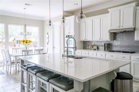 what should i use to clean my kitchen cabinets kitchen cleaning checklist get your kitchen