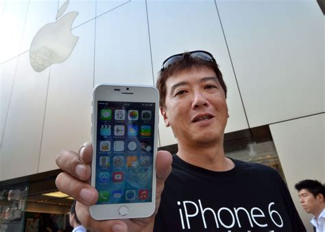 how much does an iphone 6 really cost hint it s way how much does it really cost apple to make an iphone 6