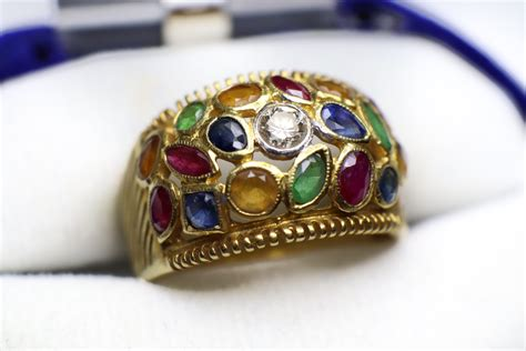 แหวนหัวพลอย สีชมพูอันงดงาม - สยามรัตนพิสุทธิ์ ขาย ...
