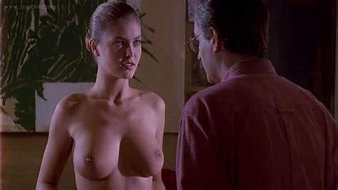 Nude Video Celebs Vittoria Belvedere Nude In Camera