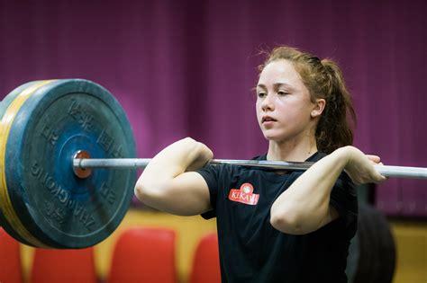 Svarcēlāja Rebeka Koha sniedz padomus sportiskai ikdienai ...