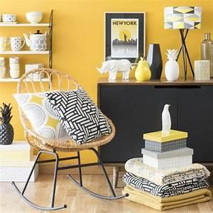 les 25 meilleures idees de la categorie rideaux jaunes sur With couleur pastel pour salon 6 un salon vintage le blog deco de maisons du monde