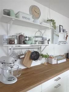 Ikea Küche Regal : k che mit neuem mintfarbenen porzellan kitchen pinterest k chen wandregal wohnung k che ~ Buech-reservation.com Haus und Dekorationen