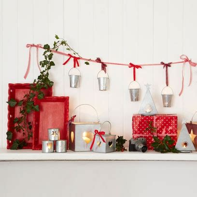 decorate  mantelpiece christmas decorations red