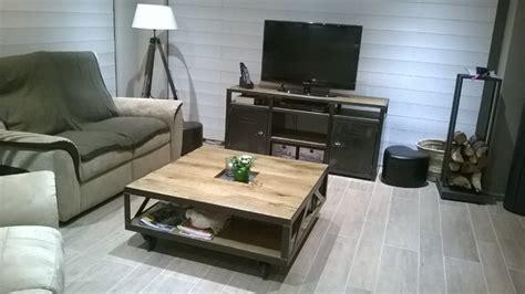 chambre du conseil salon au style industriel bois métal
