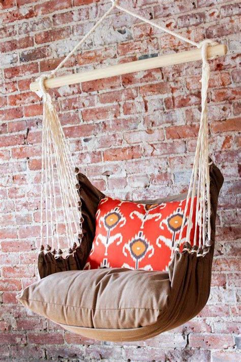 Diy Hammock Swing by 25 Exles Of Indoor Swings Turn Your Home Into A