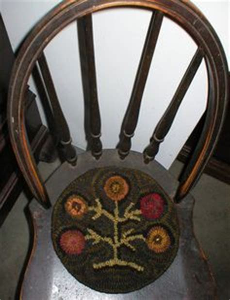 1000 images about rug hooked chair pad on pinterest