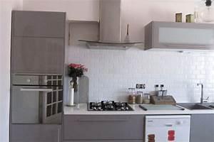 cuisine gris perle quelle couleur pour sol et murs With idee deco cuisine avec deco sur mur gris
