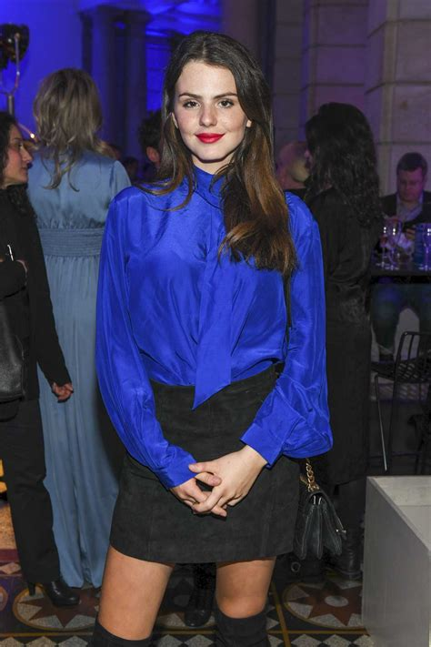 ruby  fee attends ard blue hour