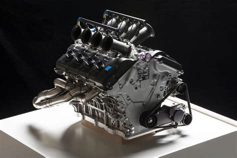 volvo shows  liter  engine  australian  supercar