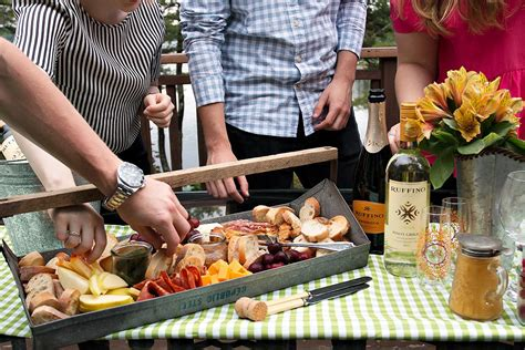 Casual Summer Outdoor Entertaining With Ruffino Seasons