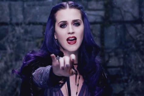 Top 10 Most Popular Female Singers In 2012