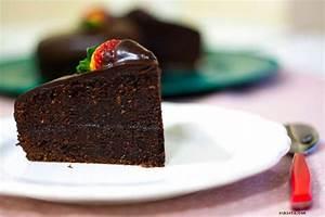 Pastel de chocolate con almendra y fresas. Receta paso a ...