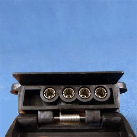 4 pin l socket caravansplus b77 britax 4 pin socket heavy duty