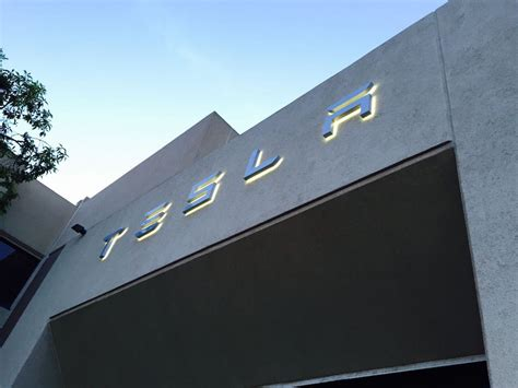Tesla Hq Running Out Of Room For Employee Parking