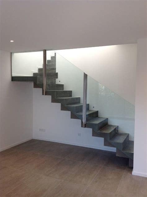conception d un escalier b 233 ton avec garde corps en verre