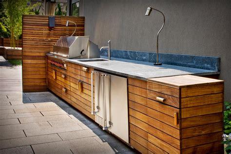 modern outdoor kitchen   TjiHome
