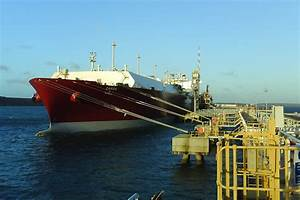 Failure of mooring line on board LNG carrier Zarga with 1 ...