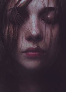 Laura Makabresku: silent ghosts