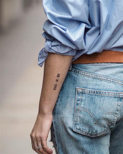 tatouage femme pin by sammy llanas on tattoos tatouage tatouage chiffres tatouage chiffre